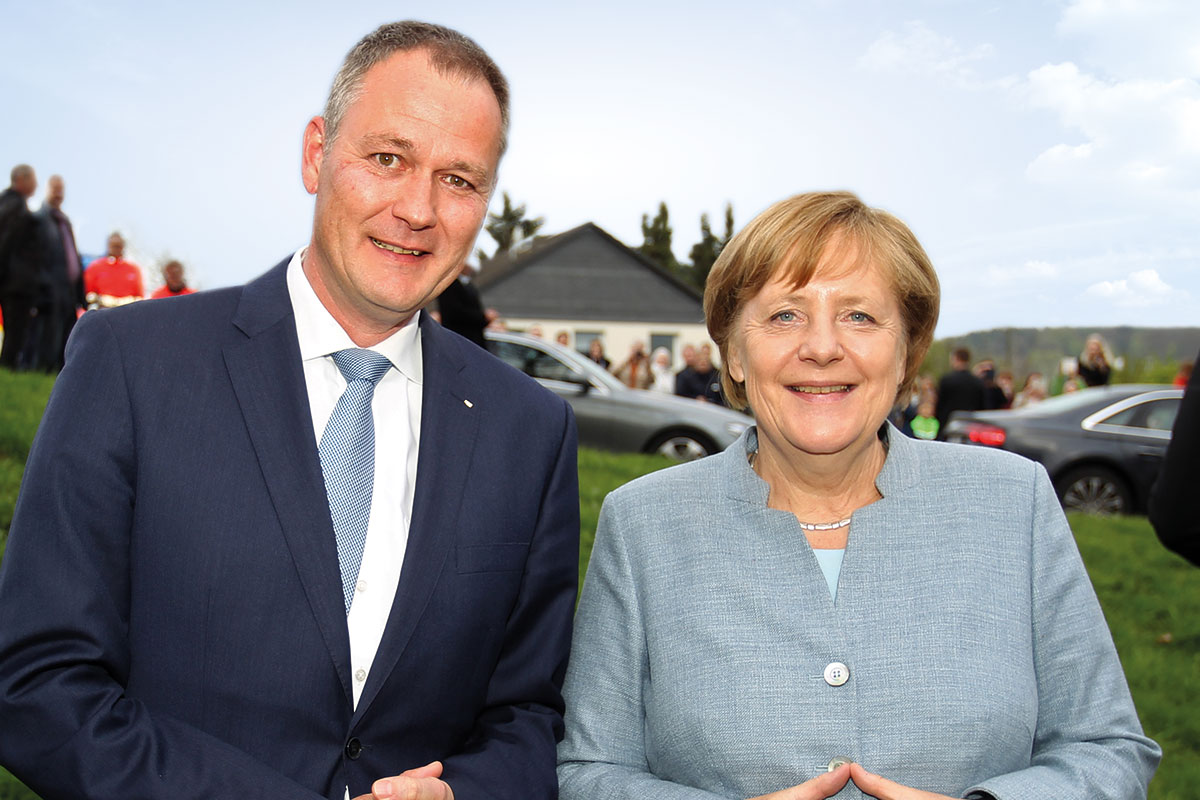 Carsten Brodesser gemeinsam mit der Bundeskanzlerin Angela Merkel für ein Oberberg, indem wir gut und gerne leben